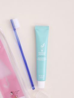 The First Salt After Rain Toothbrush & Toothpaste Travel Set (50g)_Pink