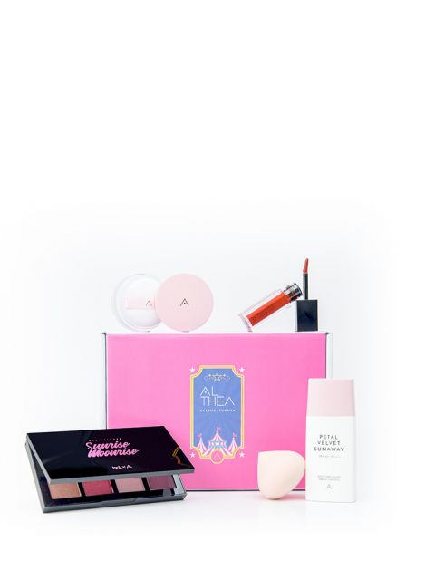 It's Showtime Beauty Box