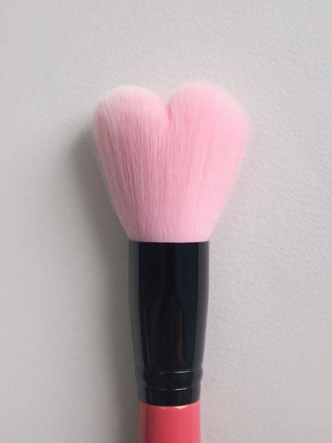 Lovely Pink Heart Multi Volume Brush
