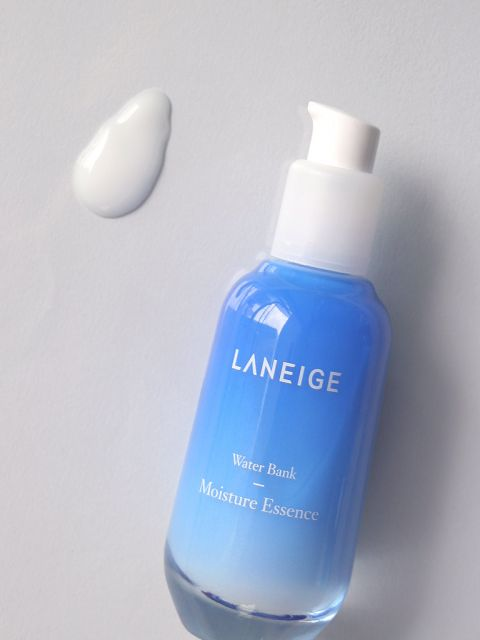 Water Bank Moisture Essence (70ml)